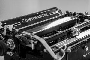 Alte Schreibmaschine von Continental.