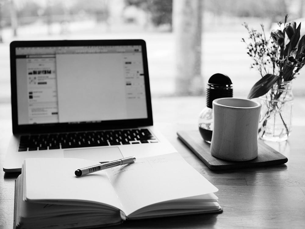 Online Textanalyse-Tools können beim Texten von Content helfen.